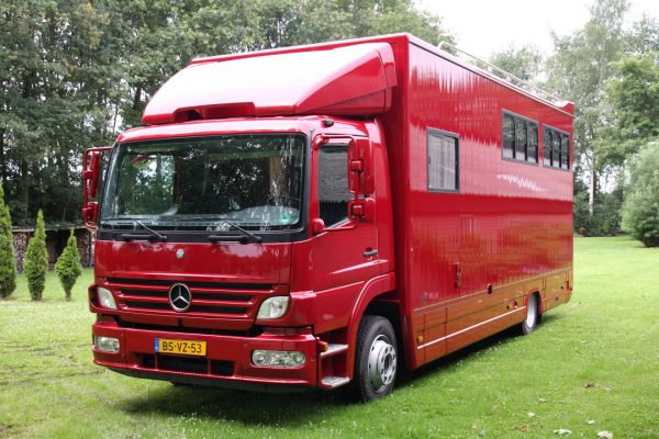 Referenties - Mercedes Atego 5 paards