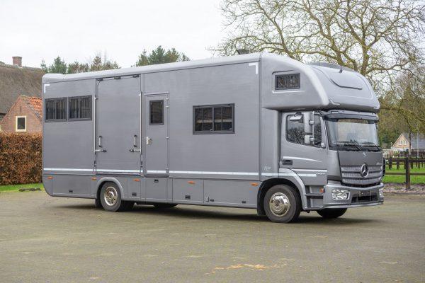 Referenties - Mercedes Atego Topsleeper 5 paards